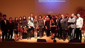 CÜde orkestra konseri