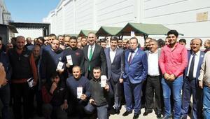 Abdulhamit Gül, halı işçileriyle buluştu
