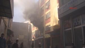 Karaköyde yangın paniği