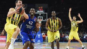 Anadolu Efes - Fenerbahçe maçının fotoğrafları