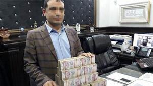 Paralarla kaçarken yakalandı