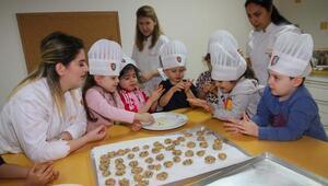 Minik ellerden kurabiyeler