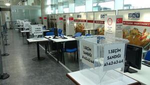Atatürk Havalimanında seçim sandıkları konuldu