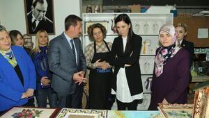 Karaaslan ve Tok'tan kadınlara ziyaret