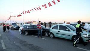 Bakan Zeybekçiye tahsis edilen araç kaza yaptı