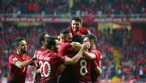 İşte Türkiye 2-0 Finlandiya maçının fotoğrafları