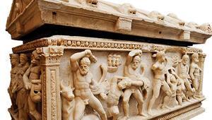 Herakles Lahdi evine dönüyor