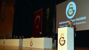 Galatasaray Başkanı Özbek: Galatasarayın UEFAya katılması için zerre problemi yoktur