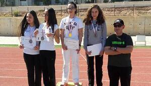 Akdenizli Ece Okçulukta şampiyon oldu