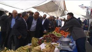 CHPli Tekin ve Berberoğlu Evet standını ziyaret etti