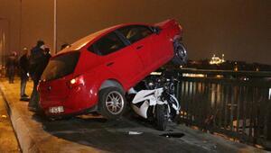 Unkapanı Köprüsünde otomobil balık tutanların arasına daldı: 1 ağır, 2 yaralı