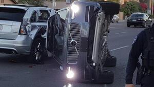 Uberin sürücüsüz otomobili trafik kazası yaptı
