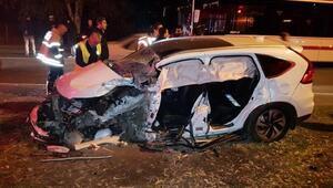 Otomobil ile belediye otobüsü çarpıştı: 1i ağır 7 kişi yaralandı
