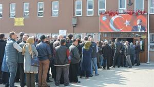 Bulgaristan seçimi başladı... Türkiyede kuyruklar oluştu