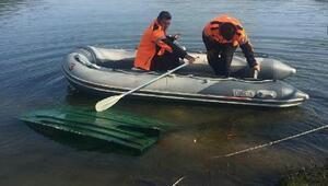 Gölcük Gölünde kayık alabora oldu, 1 kişi kayıp