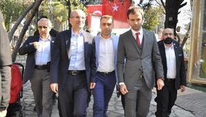 Başbakan Yardımcısı Şimşek gençlerden evet istedi