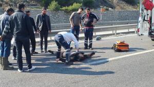 Bariyerlere çarpan motosiklet sürücüsü öldü