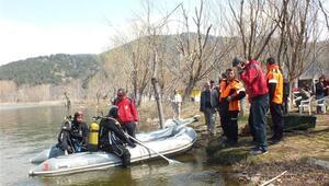 Gölcük Gölü'nde kayık alabora oldu, 1 kişi kayıp