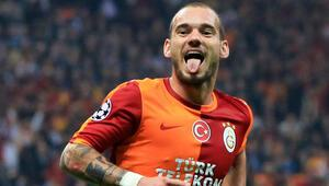 Sneijder dönüşte görüşme odasına