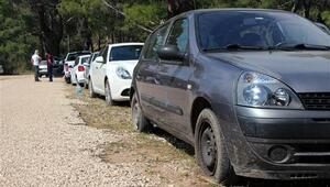 Kampçıların 26 aracının lastikleri kesildi