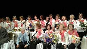 Lüleburgaz Çağdaş Öğretmenler korosu konser verdi