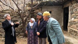 Vali Çınar sokağa çıkma yasağının olduğu köyü ziyaret etti