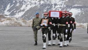 Yaralı asker, Hakkaride şehit oldu(2)