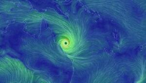 Debbie Kasırgası Avustralya'yı vurdu