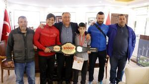 Başkan Salman, şampiyonları ağırladı