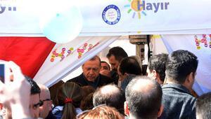 Cumhurbaşkanı Erdoğan CHPnin Hayır çadırına sürpriz ziyarette bulundu