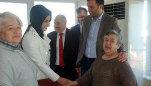 Başbakan Yıldırımın kardeşi Kızılay Şube Başkanı İlhami Yıldırım, yaşlıları ziyaret etti