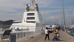 Fethiye Limanına 120 metrelik mega yat yanaştı