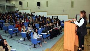 Üniversitelilere, Çocuk Gelişimi ve Eğitimi semineri