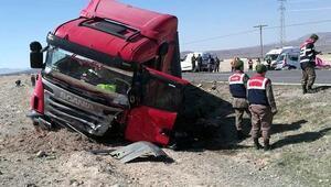 Kayseri'de trafik kazası: 2 ölü, 3 yaralı