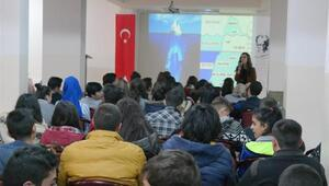 Kadın danışma merkezinden Ürgüplü gençlere seminer