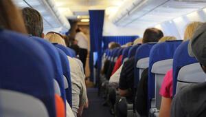 Uçaktaki yolcunun cüzdanını çalan zanlı tutuklandı