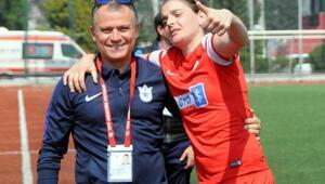 Konak Belediyesporda Cosmina golle döndü