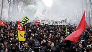 Fransada son 30 yılın en uzun grevine neden olan tasarıya onay 21