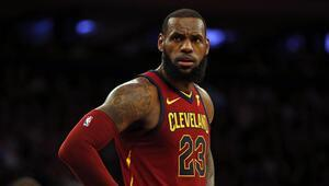 LeBron James, Los Angeles Lakersla anlaştı