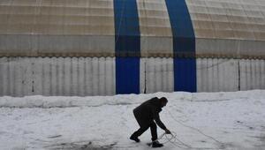 Beytüşşebap Haberleri: Beytüşşebapta ilginç kar temizliği 81