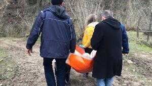Çarşamba Haberleri: Yolu kapanan mahallede, hasta annesini her gün sırtında taşıyor