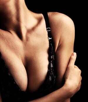 Göğüslerinizi büyütmenin 3 pratik yolu