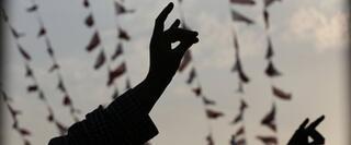 Eski vekilin 'Bozkurt işareti' yorumu Ülkü Ocakları'nı kızdırdı...
