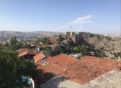Ankara Kalesi'nde satılık kilise
