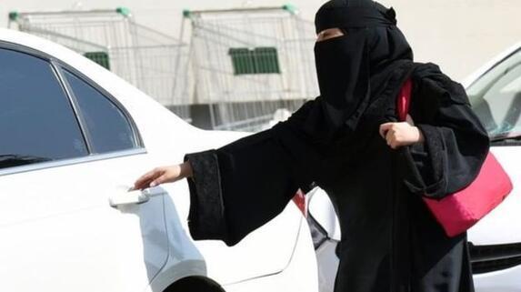 Kadınlar aptal oldukları için araba kullanamaz diyen Suudi din adamına vaaz yasağı