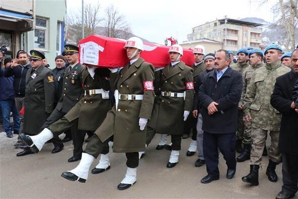 Salih Kayanın cenazesinde yürek yakan görüntüler