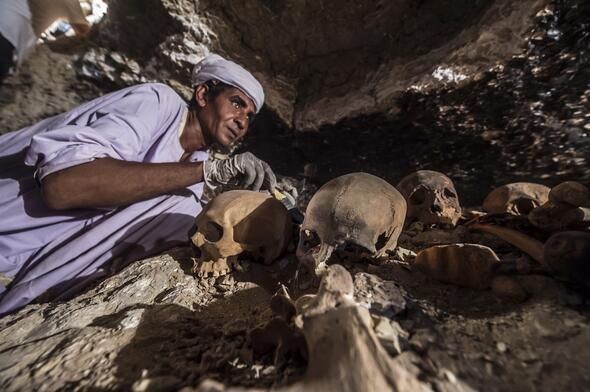 İnanılmaz keşif İşte Mısırda bulunan 3500 yıllık mezarlık