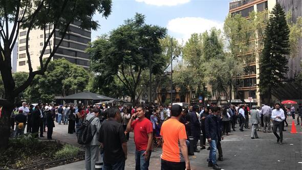 Meksika 7,4lük depremle sarsıldı