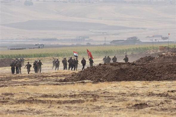 Zırhlılar manevraya başladı, Irak askerleri tatbikat alanına getirildi
