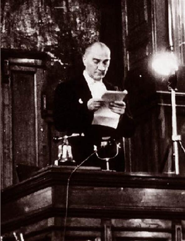 Atatürk a politikus (Forrás: Hürriyet)
